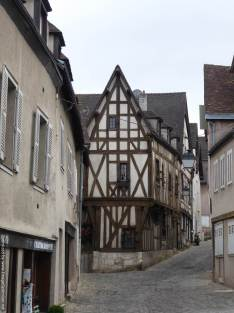 3. Chartres (14)