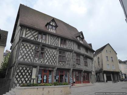 3. Chartres (16)